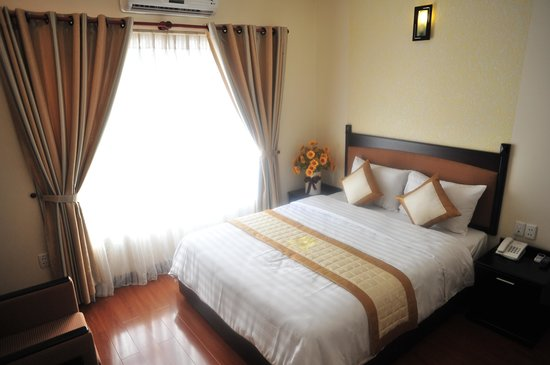 Than Thien Hotel - Friendly Hotel: Double Deluxe Room