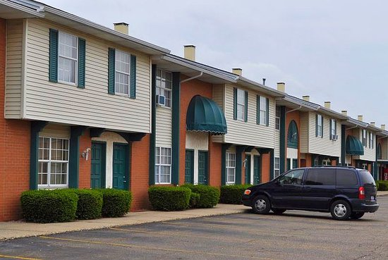 Americas Best Value Inn & Suites Canton