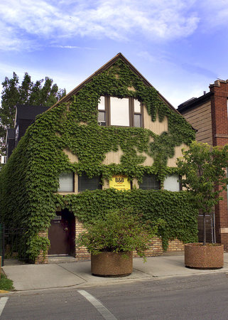 Ray&#39;s Bucktown Bed and Breakfast