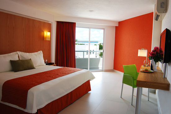Photo of Hotel Ramada Cancun City