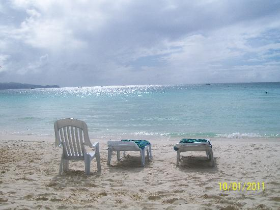 Boracay Regency: white sand beach