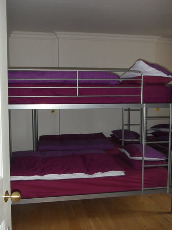 4 Star Hostel: 8 Bed Dorm