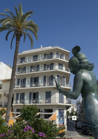 Photo of Hotel Subur Sitges