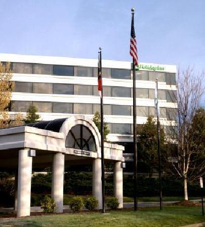 Holiday Inn Winston - Salem - University Parkway: Front Entrance