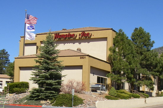 Exterior of the Hampton Inn Flagstaff East.