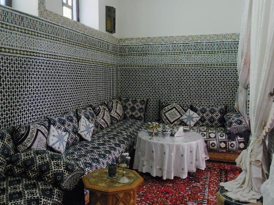 Riad Lahboul: Breakfast area in dinign room
