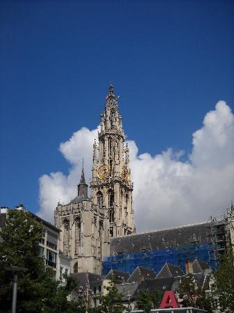 Antwerpen, België: The church