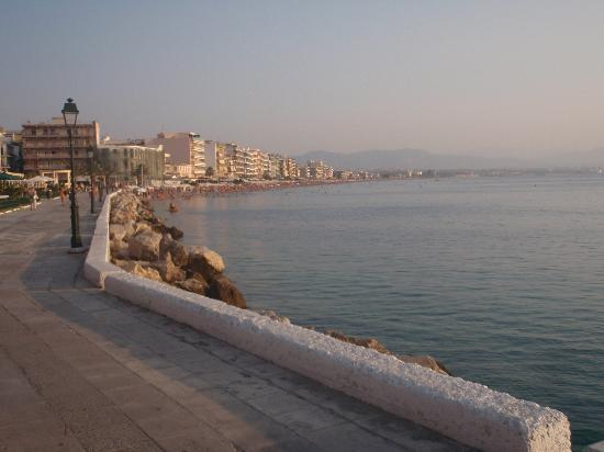 Loutraki, Hellas: beach view