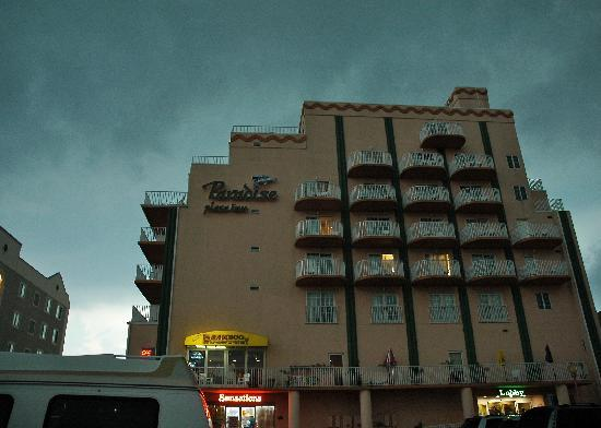 Paradise Plaza Inn: Simple, not very flashy.