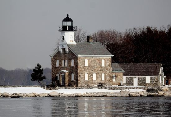 Norwalk, CT : Sheffield Island Lighthouse 