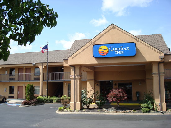 Comfort Inn Johnson City: Comfort Inn of Johnson City Entrance