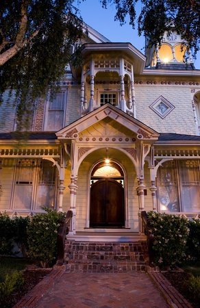 The Victorian Mansion at Los Alamos