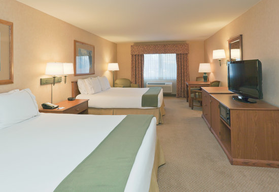 Holiday Inn Express Bishop: Double Queen Guest Room