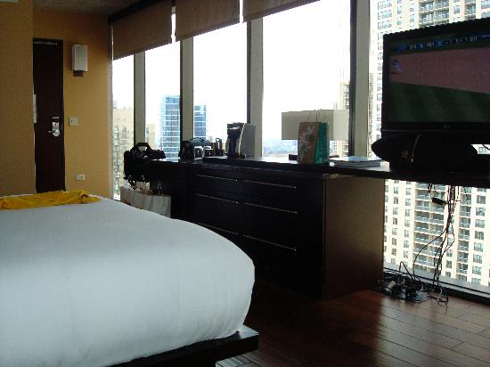 Dana hotel room picture of dana hotel and spa chicago for Spa hotel chicago