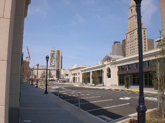 Hartford, CT: Front Street