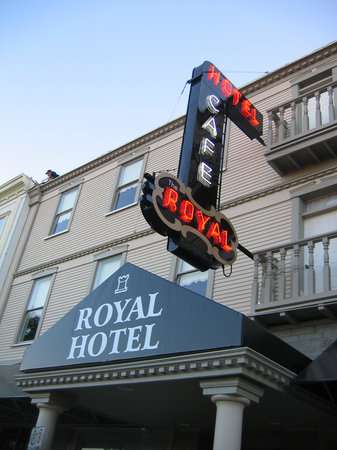 The Royal Hotel: Royal Hotel