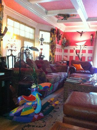 Hollywood Bed & Breakfast: Sitting Room