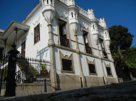 Castelinho38: exterior of guesthouse