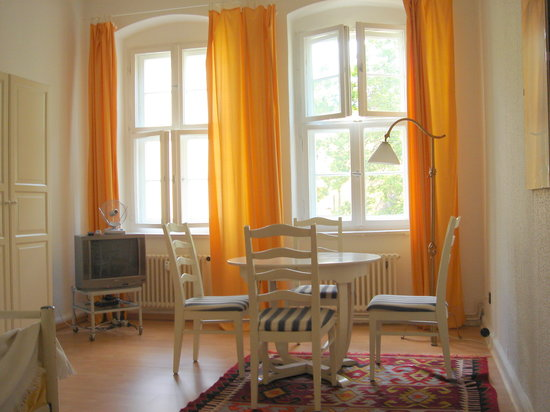 Photo of Ellens Bed & Breakfast Berlin
