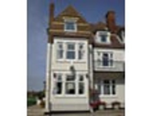 The Chimes Hotel: The Chimes - two minutes from the beach