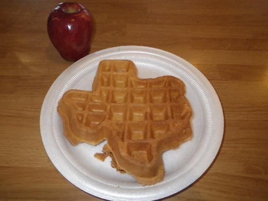 Travelodge South Padre Island: Texas shape waffles at dessert