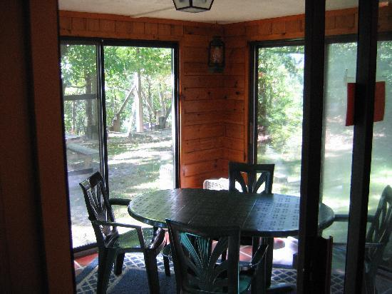Ash Grove Resort Cabins & Camping: nature