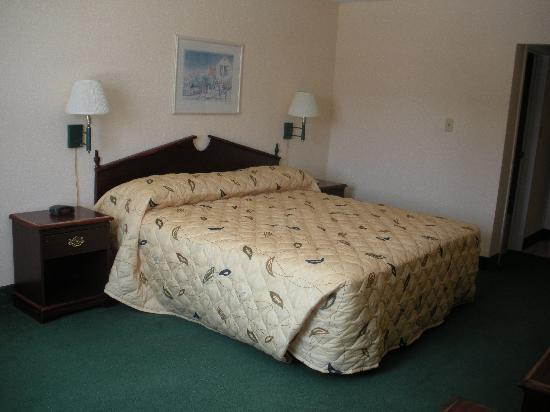 CVI Hotel - Collegiate Village Inn: Completely Renovated!