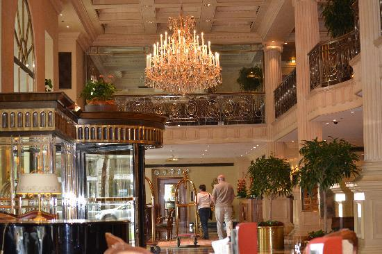 Grand Hotel Wien: A view of the Lobby