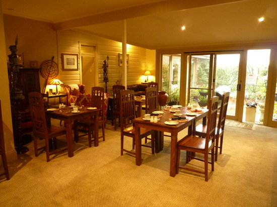Lurline House: Breakfast area