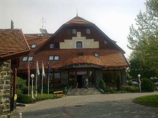 Cserszegtomaj, Hungary: Club Dogobomajor main building