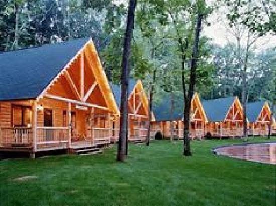 Cedar Lodge &amp; Settlement: Cabins 27-33