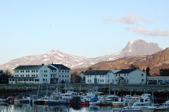 Sorkjosen, Norway: Reisafjord Hotel with harbor