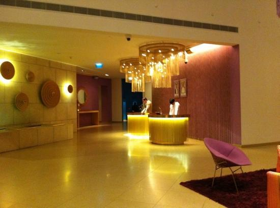 Hotel Missoni Kuwait: Hotel lobby
