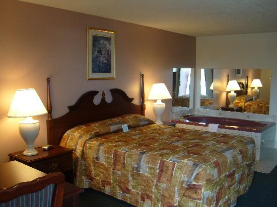 Country Inn & Suites Sunnyside: suite