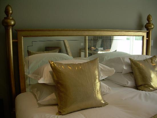 Rudding Park Hotel: Headboard!