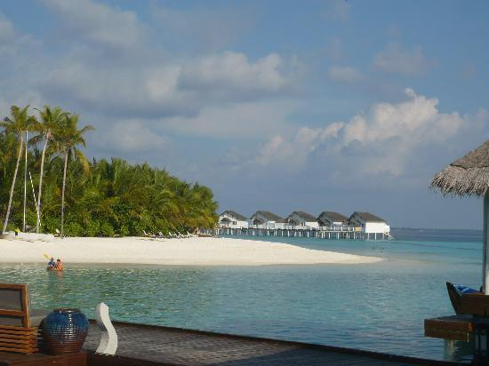 Centara Grand Island Resort & Spa Maldives: view from aqua bar