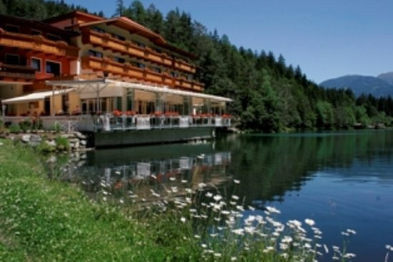 Photo of Parkhotel Tristachersee Lienz