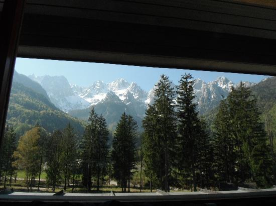 Hotel Spik Alpine Wellness Resort: View from hotel bedroom