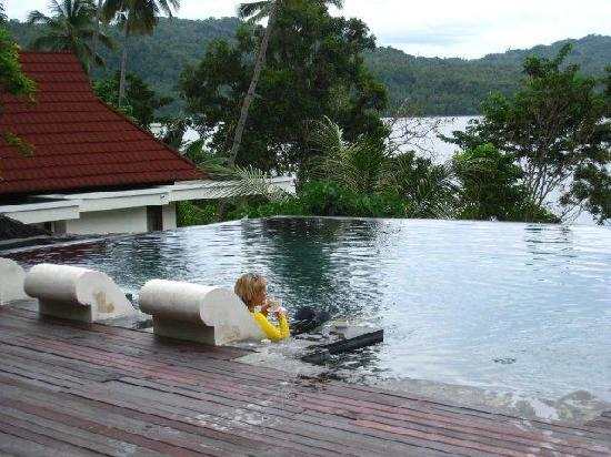 Dabirahe at Lembeh Hills Resort: enjoying tea in the pool