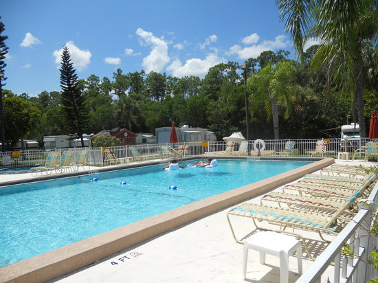 KOA Campground Naples / Marco Island: Great Pool