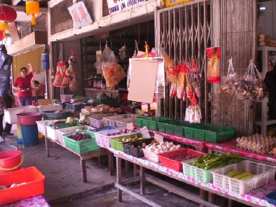 Sarawak, Malasia: Another shop selling daily grocery