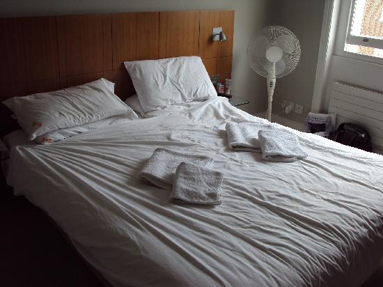 "B&B Belgravia : Our ""made"" bed"