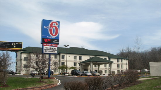 Motel 6 East Columbia, MO