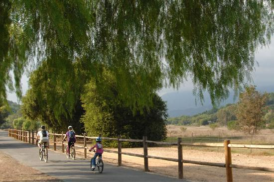 Family Enjoying the Ojai Bike Trail | Photo Credit: Michael McFadden
