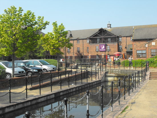 Photo of Premier Inn Milton Keynes Central South West - Furzton Lake