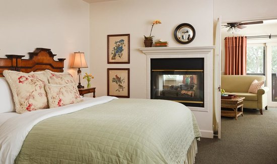 Casa Laguna Inn & Spa: Our suites offer more room for those who prefer to spread out a little. Maxium occupancy - 2 per