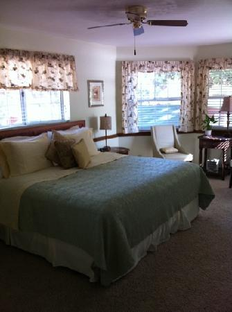 Kern River Inn Bed and Breakfast: room next to ours