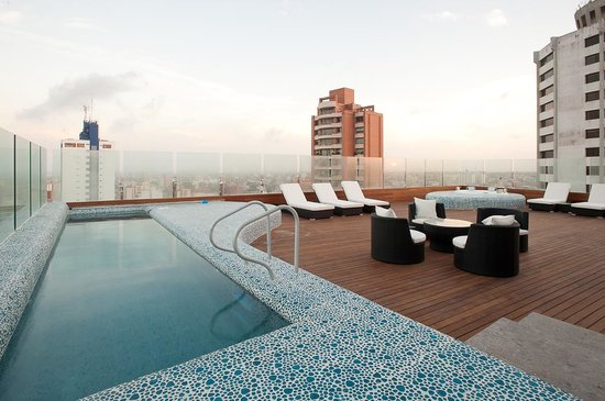 NH Collection Barranquilla Smartsuites Royal: Swimming Pool & Roof  Top Terrace