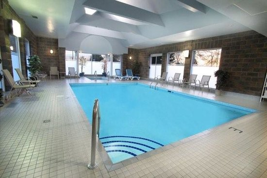 Travelodge Hotel Vancouver Airport: Indoor Pool