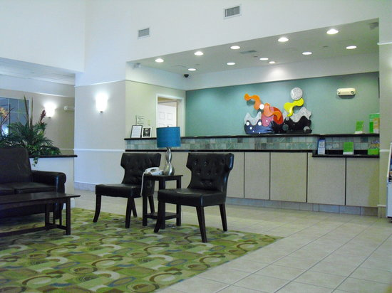 La Quinta Inn & Suites Norfolk Airport's Image